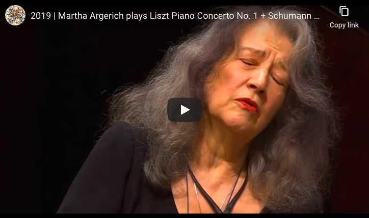 Martha Argerich plays as encore Gavottes I and II from English Suite No. 3 in G Minor by Johann Sebastian Bach.